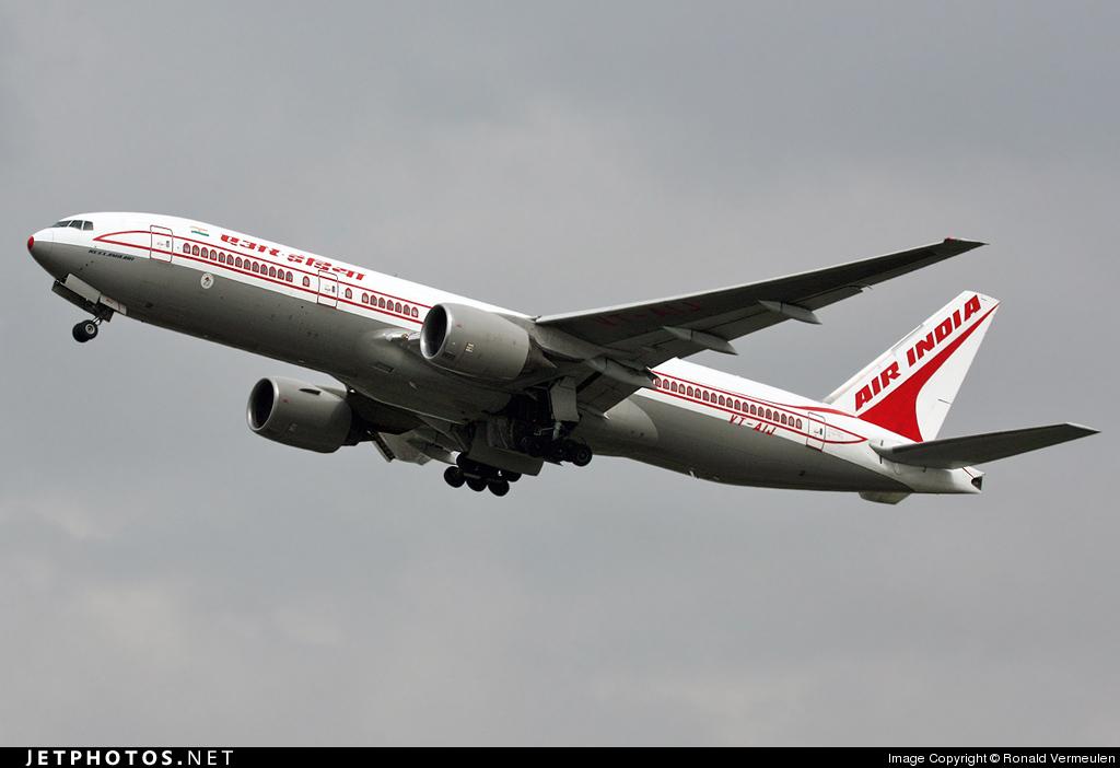 VT-AIJ - Boeing 777-222(ER) - Air India