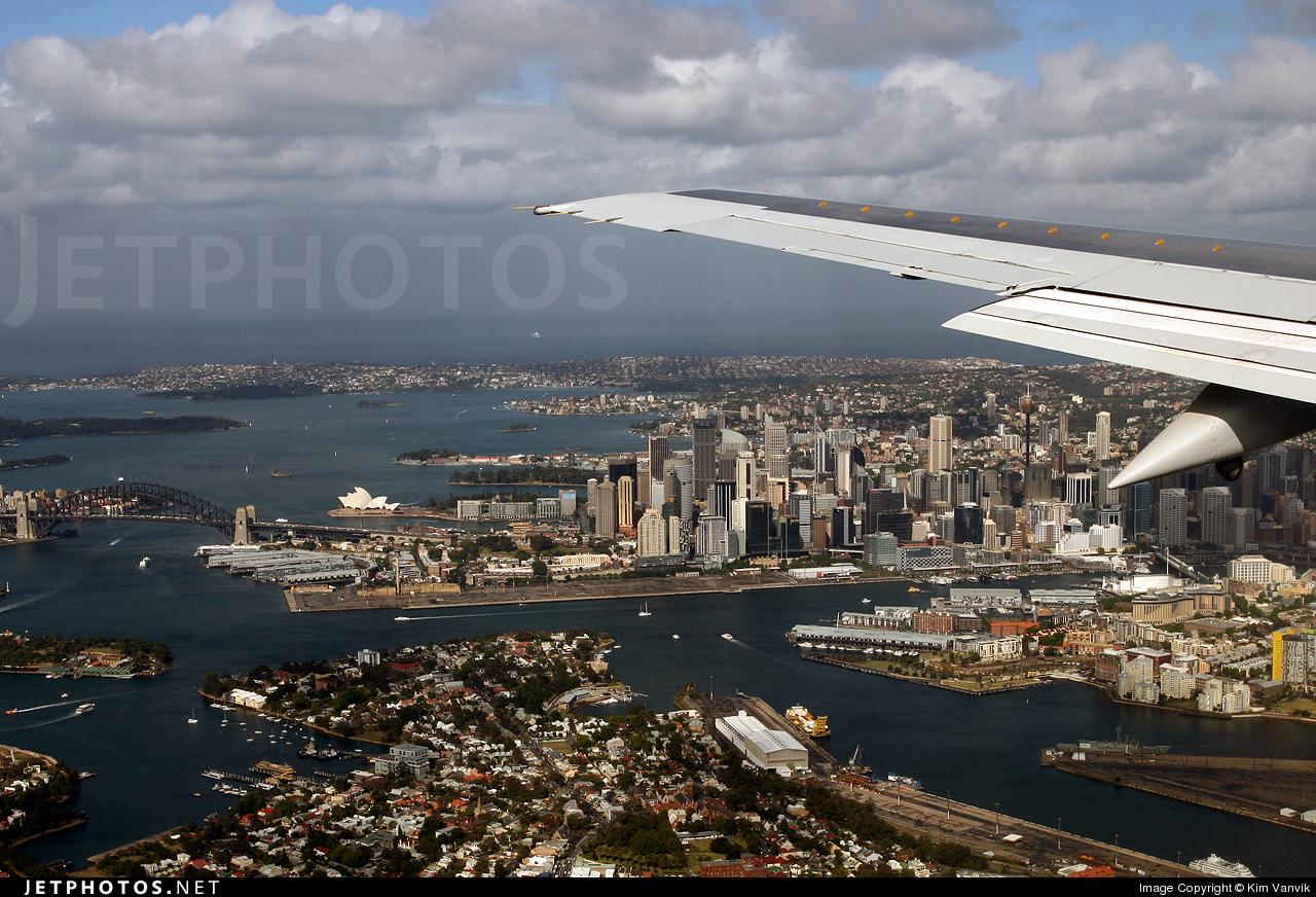 VH-TJF - Boeing 737-476 - Qantas