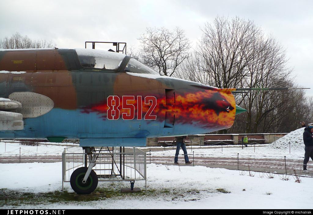 8512 - Sukhoi Su-22M4 Fitter K - Poland - Air Force