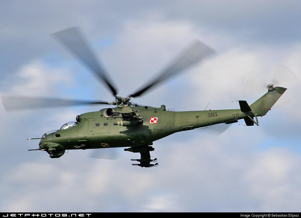 585 - Mil Mi-24D Hind D - Poland - Air Force