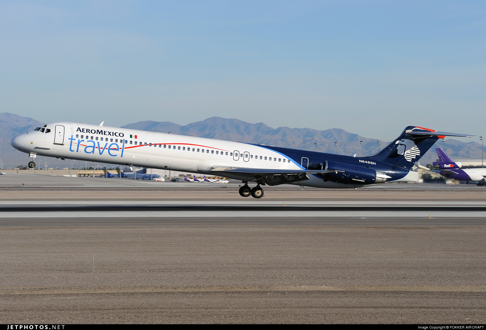 AEROMEXICO TRAVEL MD-83 N848SH