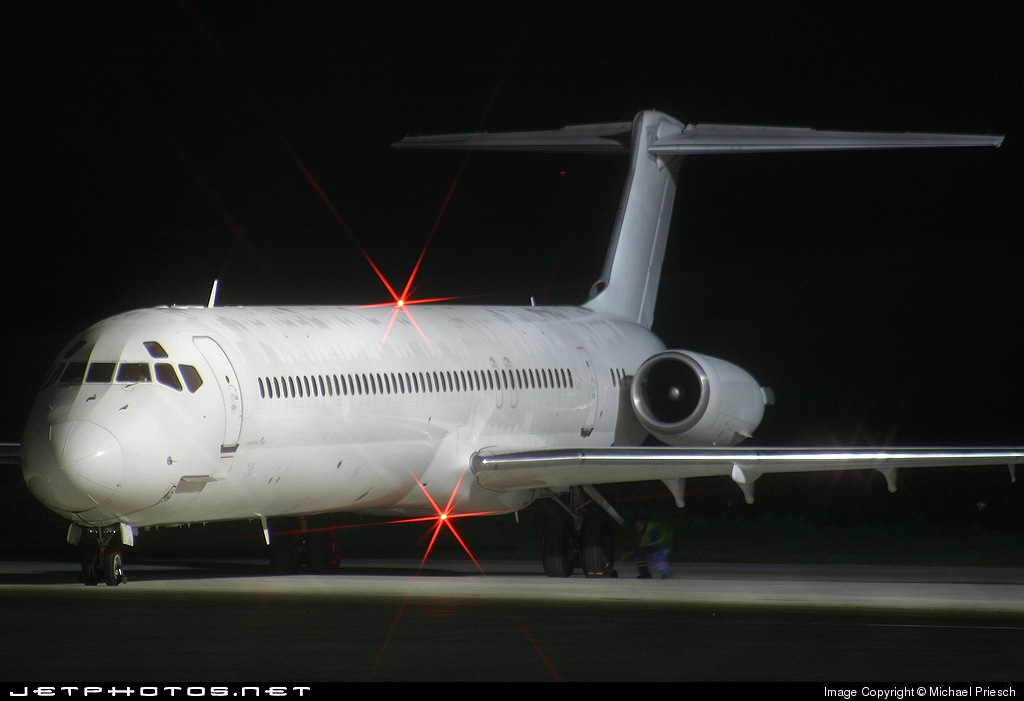 OE-LOG - McDonnell Douglas MD-82 - MAP Executive Flightservice