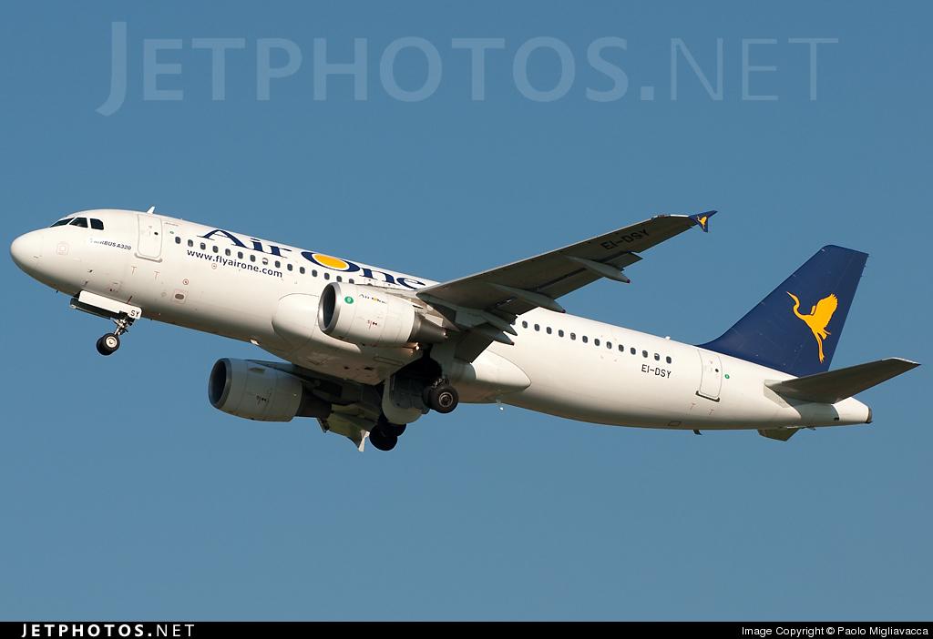 EI-DSY - Airbus A320-216 - Air One