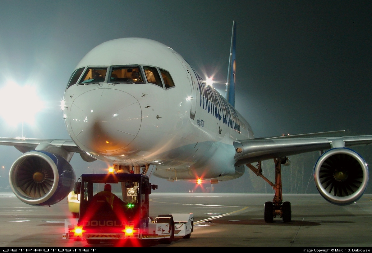 G-FCLE - Boeing 757-28A - Thomas Cook Airlines