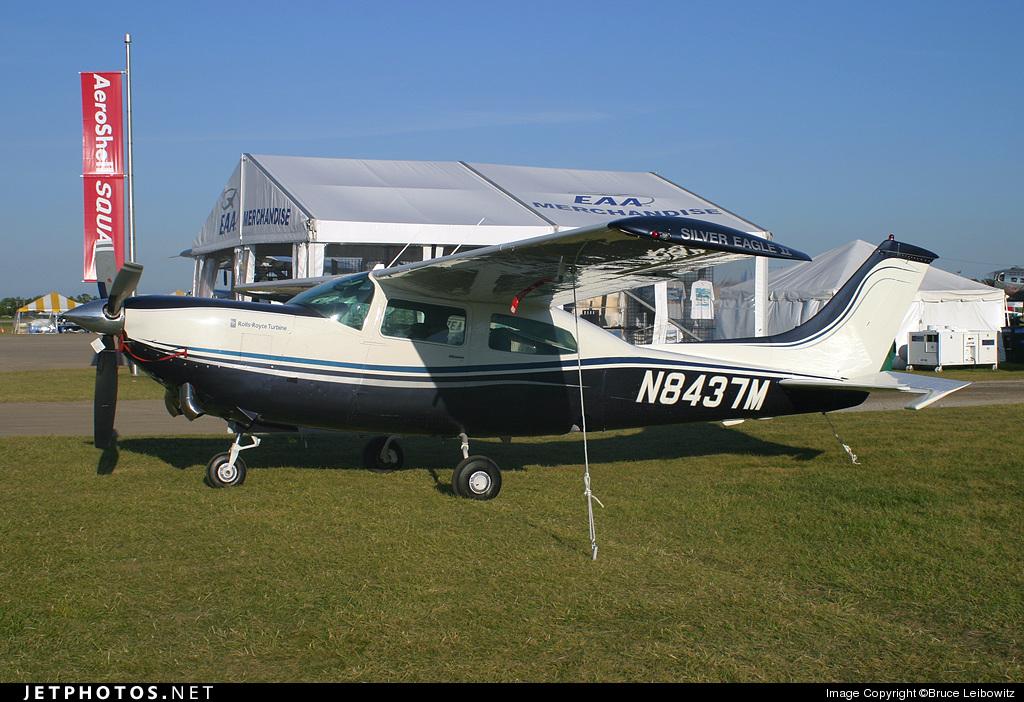 N8437M - Cessna 210N Centurion II - Private