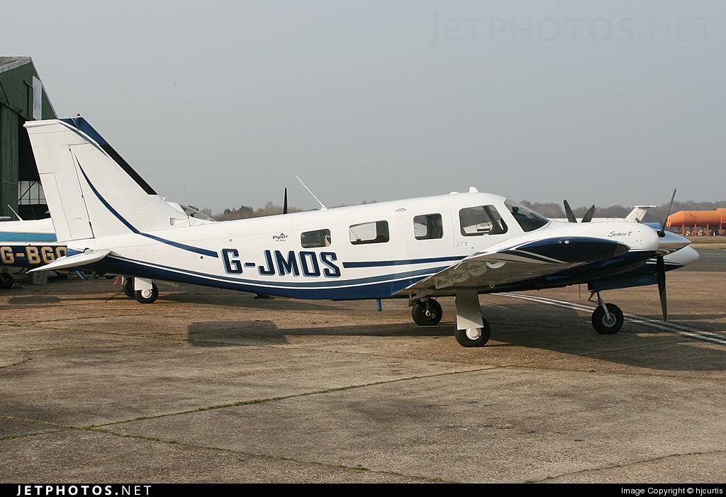 G-JMOS - Piper PA-34-220T Seneca V - Private