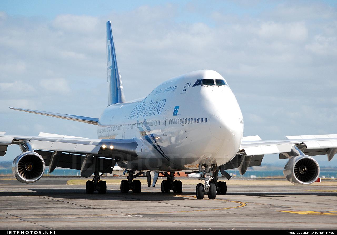 ZK-NBT - Boeing 747-419 - Air New Zealand