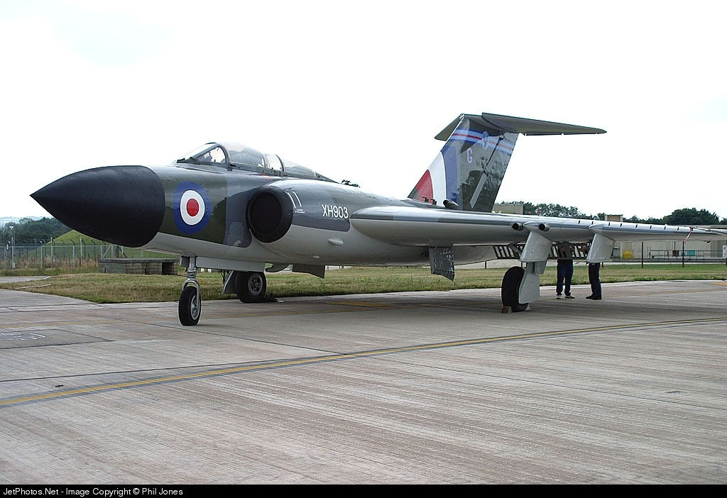 XH903 - Gloster Javelin FAW.9 - Private
