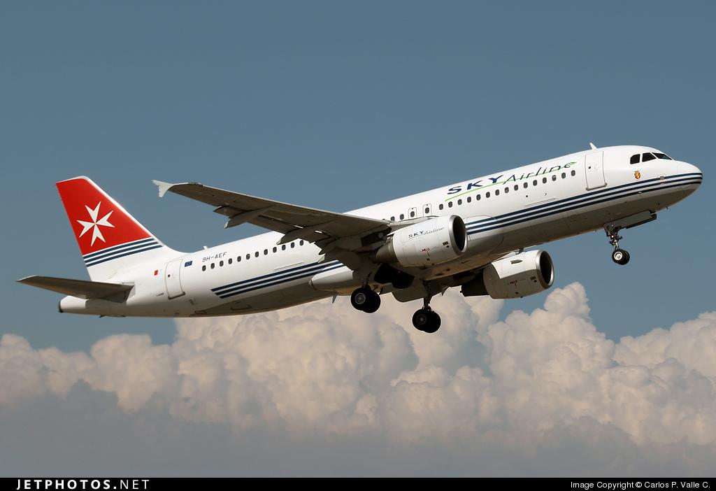 9H-AEF - Airbus A320-214 - Sky Airline (Air Malta)