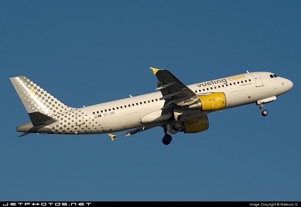 EC-JMB - Airbus A320-214 - Vueling