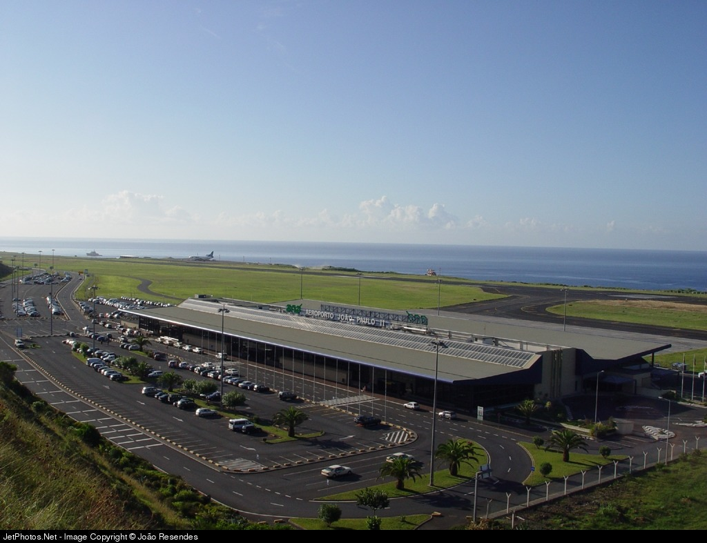 LPPD - Airport - Terminal