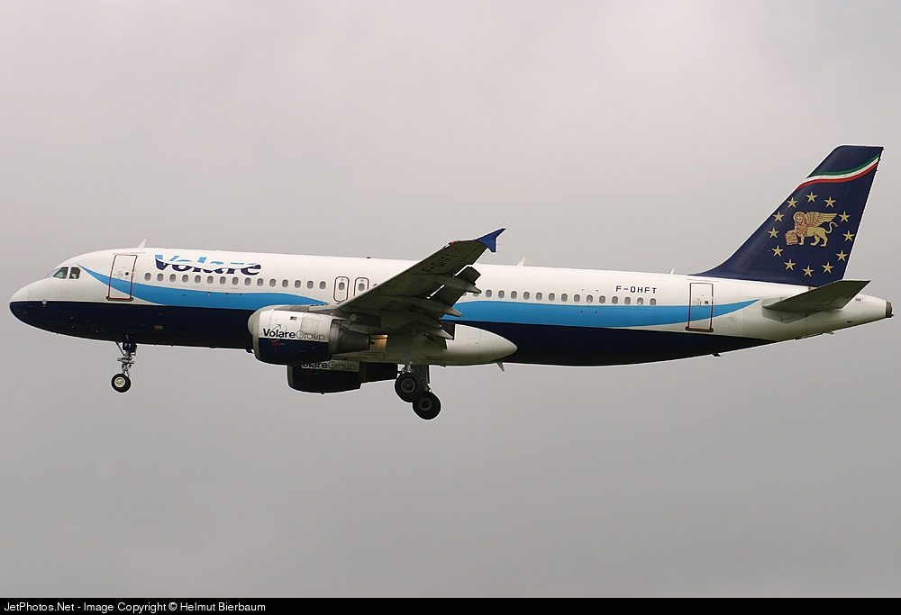 F-OHFT - Airbus A320-211 - Volare Airlines