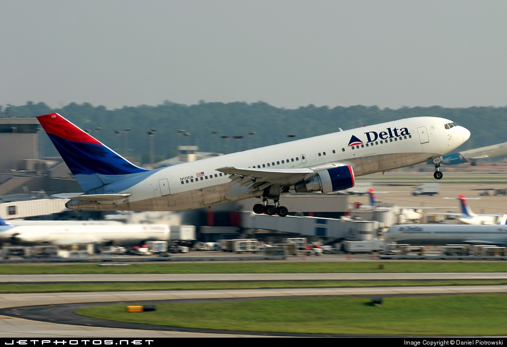 N113DA - Boeing 767-232 - Delta Air Lines