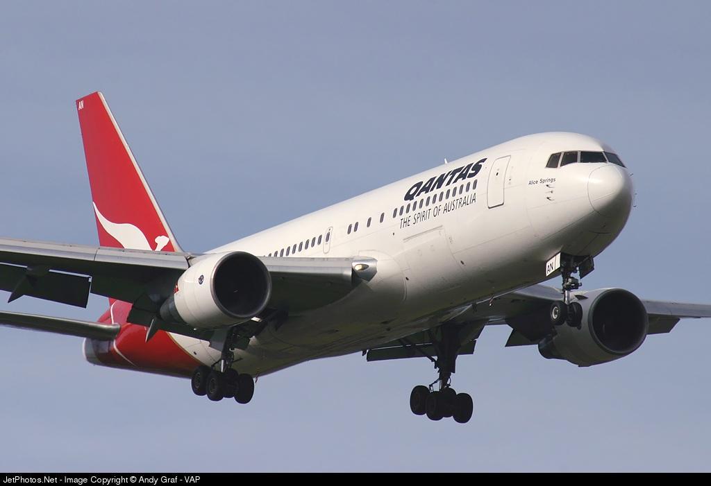 VH-EAN - Boeing 767-238(ER) - Qantas