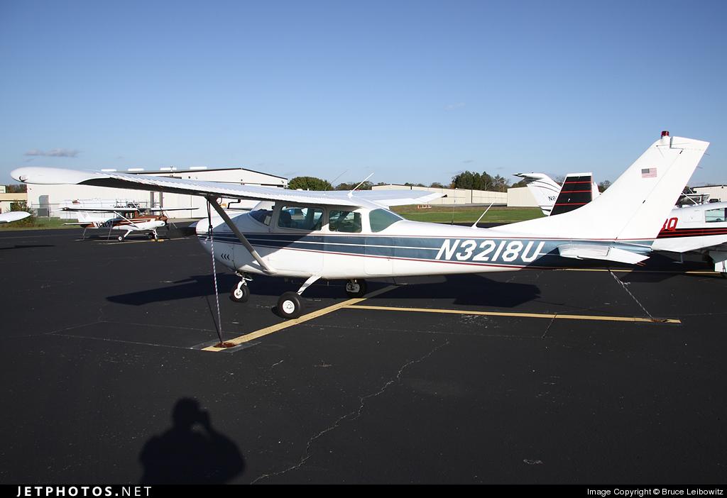 N3218U - Cessna 182F Skylane - Private