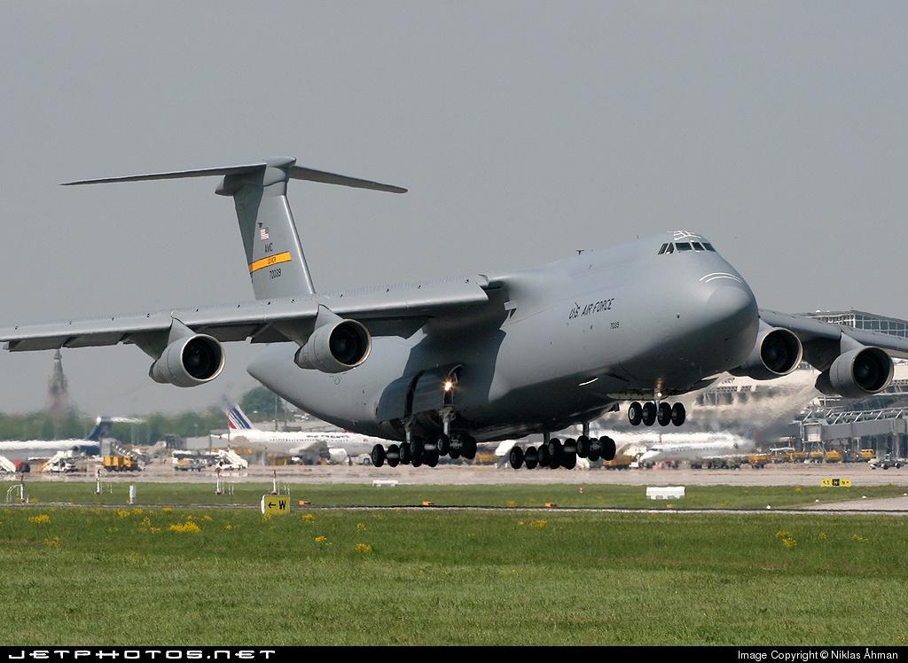 """Résultat de recherche d'images pour """"Lockheed C-5 Galaxy"""""""