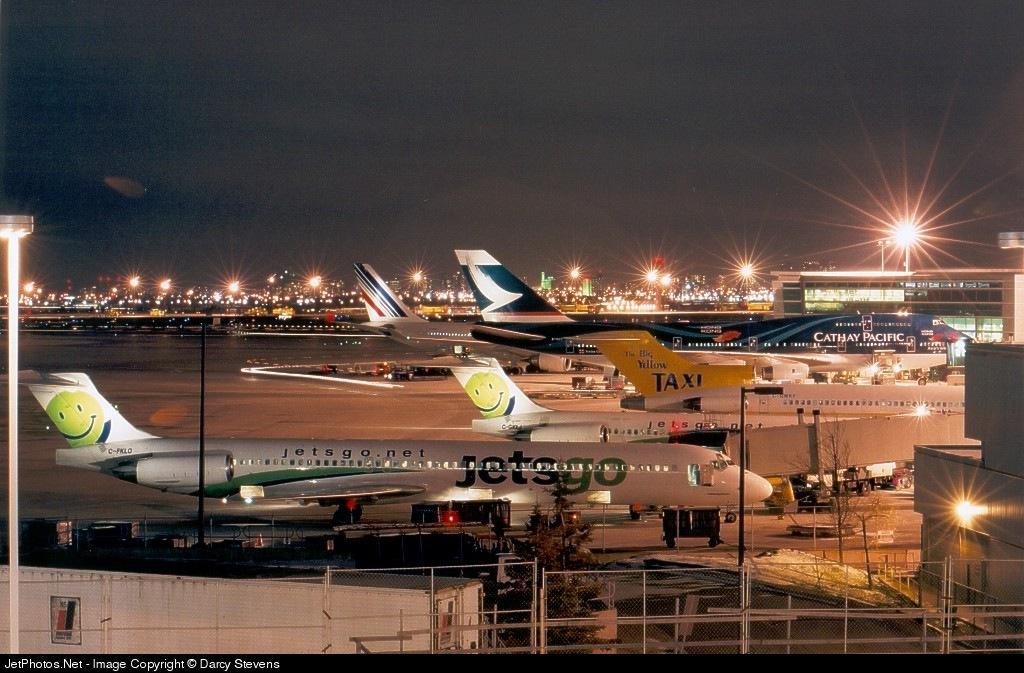 - McDonnell Douglas MD-83 - Jetsgo