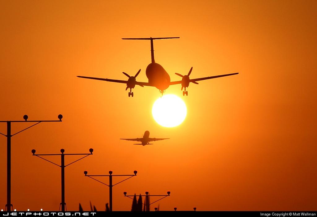 - Embraer EMB-120 Brasília - SkyWest Airlines