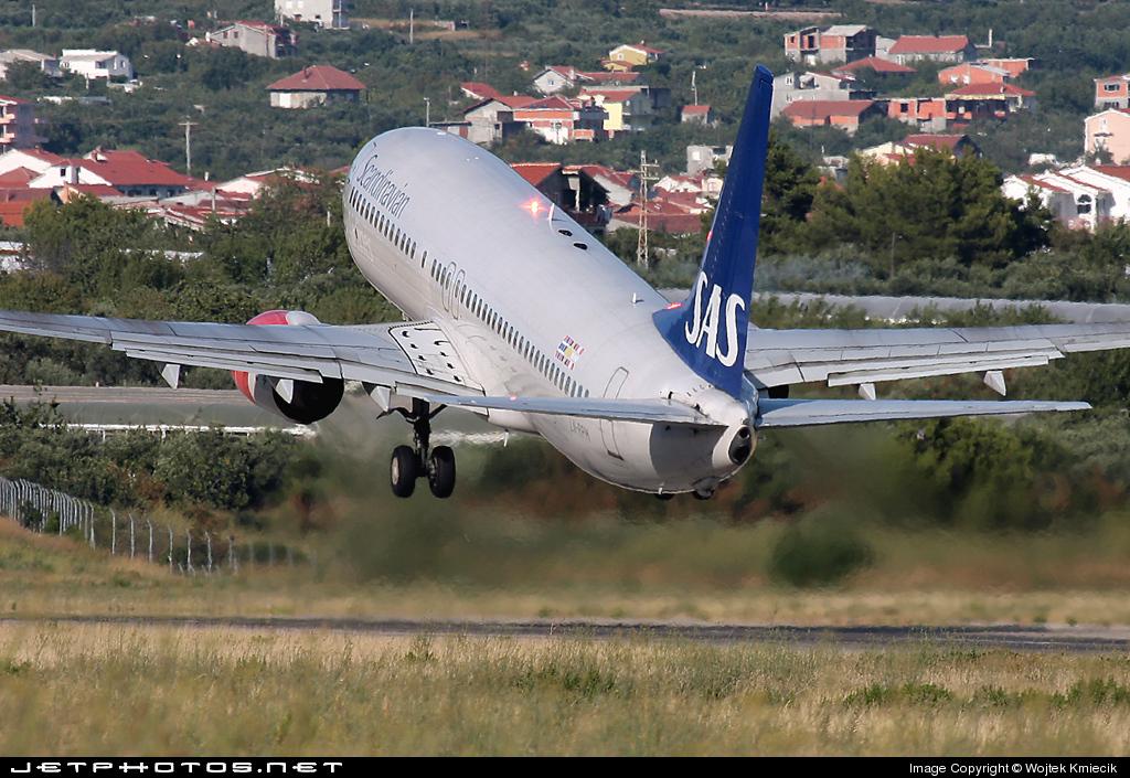 LN-RPM - Boeing 737-883 - SAS Norge