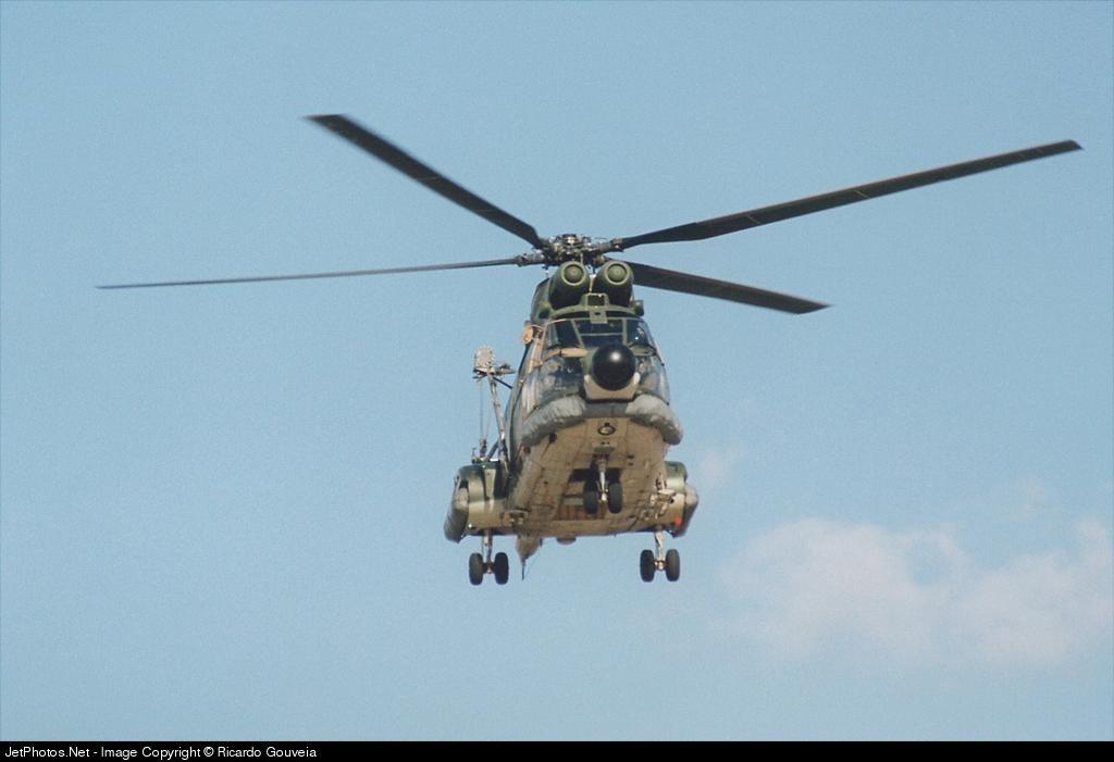 - Aérospatiale SA 330L Puma - Portugal - Air Force