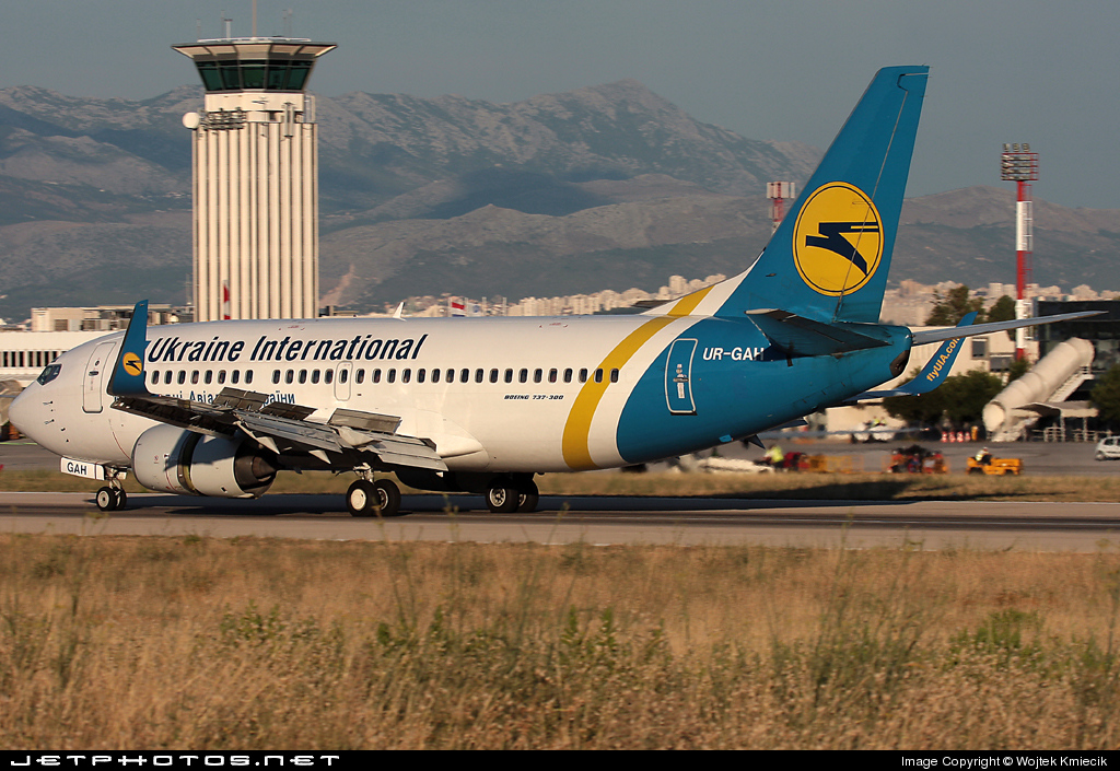 UR-GAH - Boeing 737-32Q - Ukraine International Airlines
