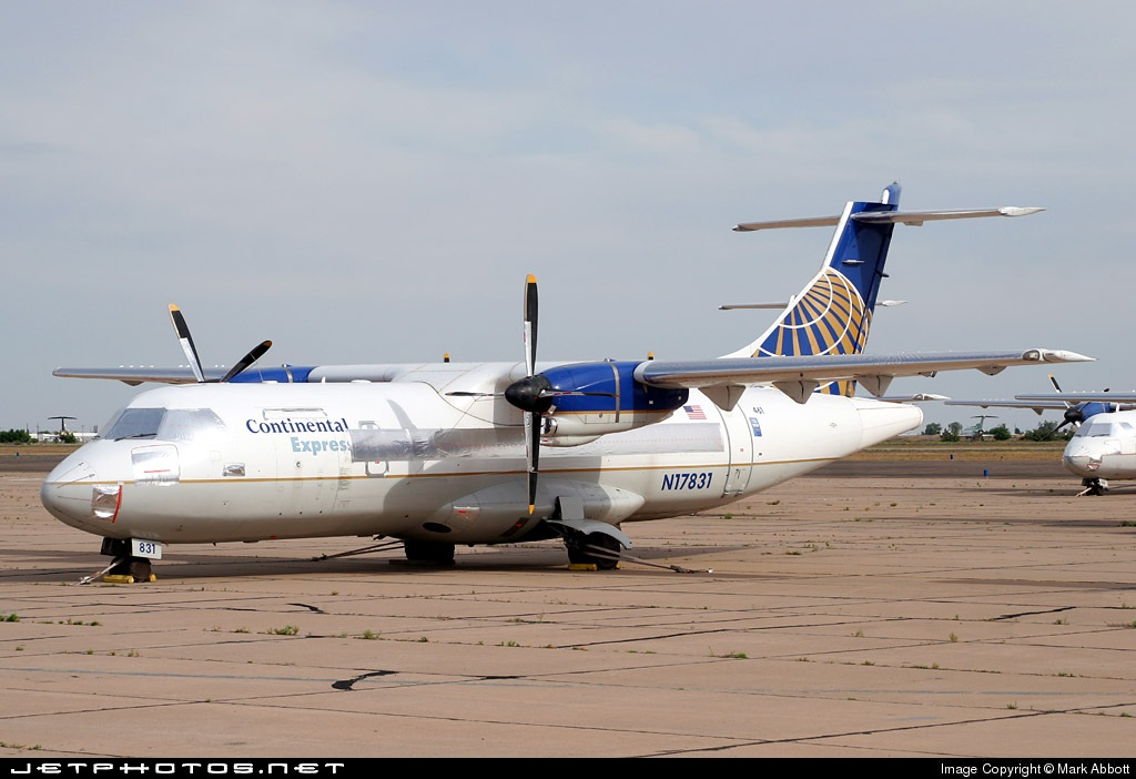 N17831 - ATR 42-320 - Continental Express (ExpressJet Airlines)