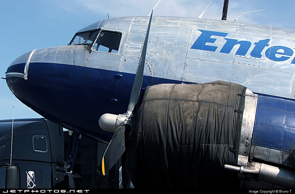 C-FOOW - Douglas DC-3C - Enterprise Airlines