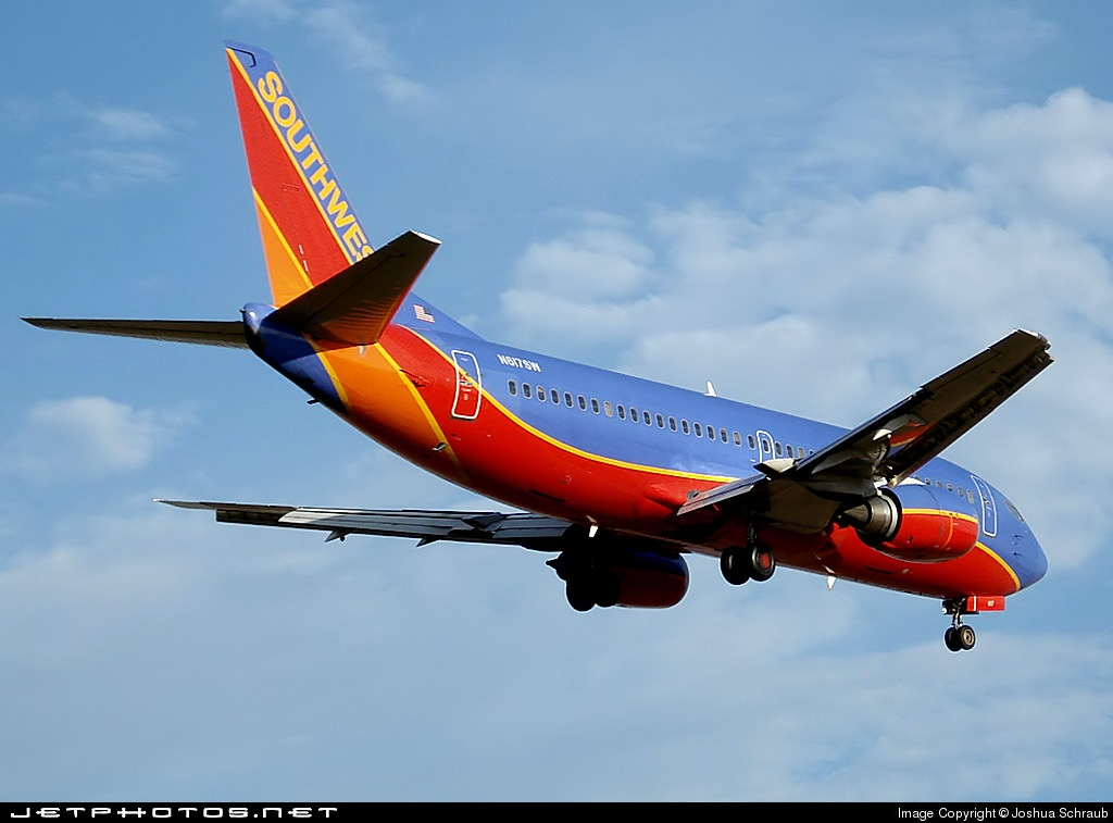 N617SW - Boeing 737-3H4 - Southwest Airlines