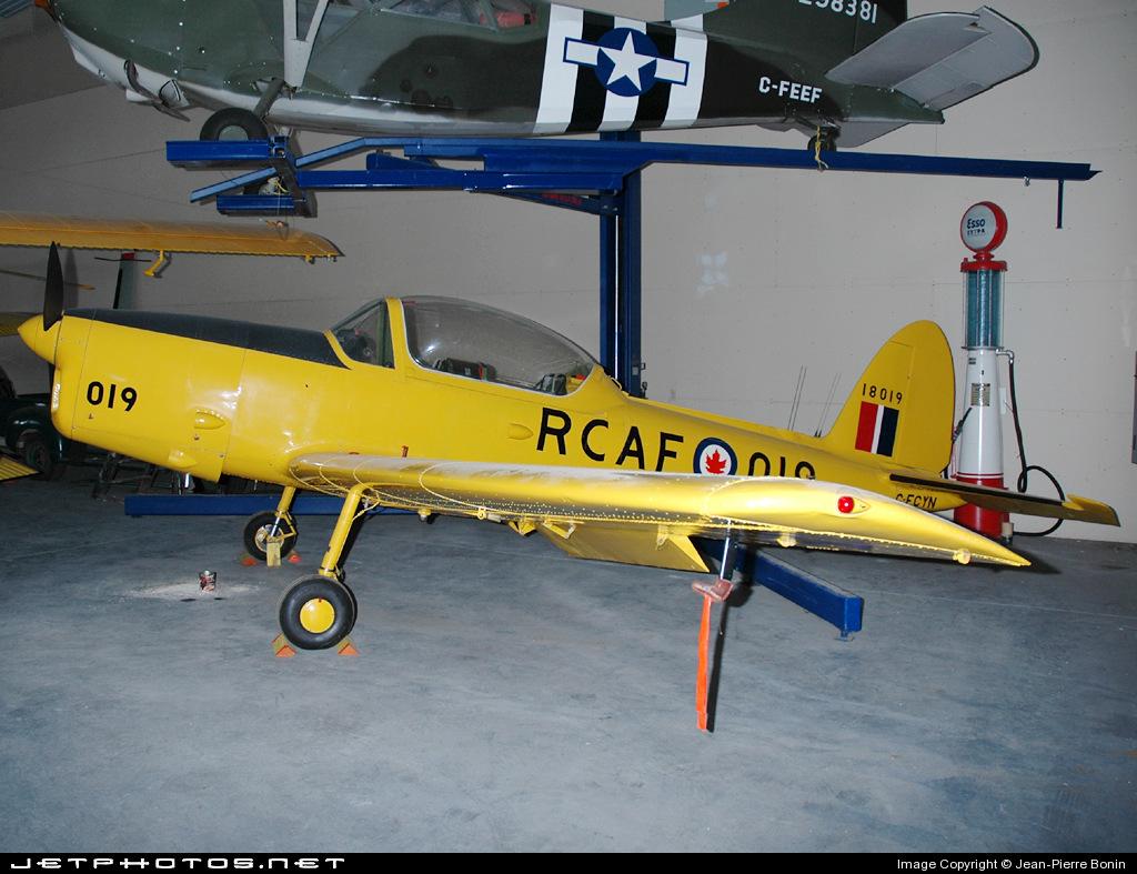 C-FCYN - De Havilland Canada DHC-1B-2-S3 Chipmunk - Private