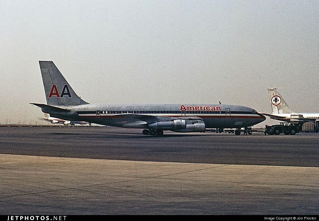 N7528A - Boeing 720-023B - American Airlines