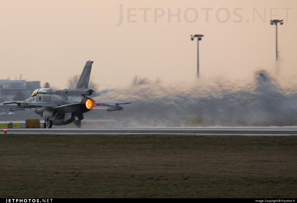 4086 - Lockheed Martin F-16D Fighting Falcon - Poland - Air Force