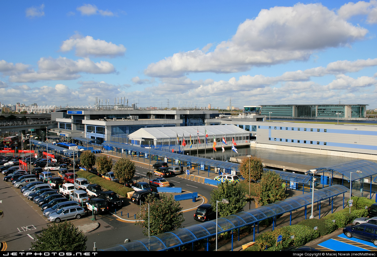 EGLC - Airport - Terminal