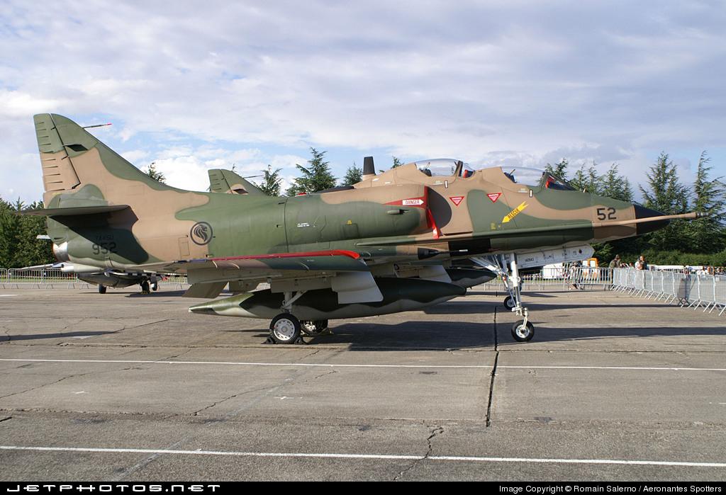 952 - McDonnell Douglas TA-4SU Skyhawk - Singapore - Air Force