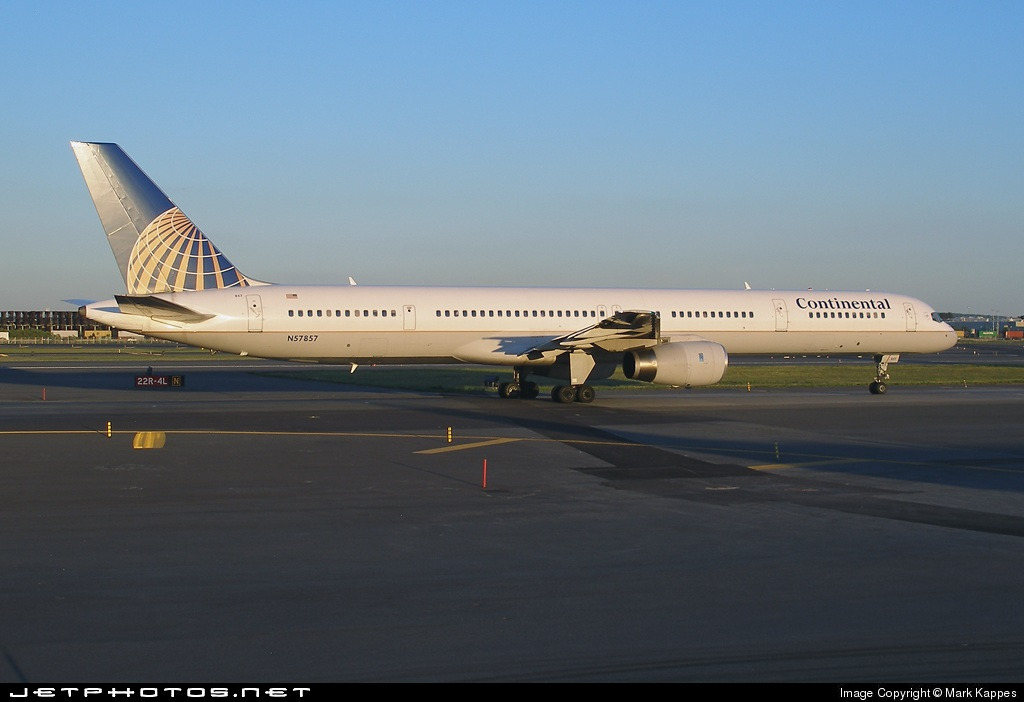 N57857 - Boeing 757-324 - Continental Airlines