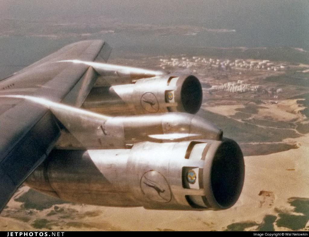 VH-EAB - Boeing 707-338C - Qantas