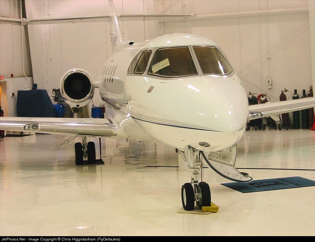 - Raytheon Hawker 800XP - Private