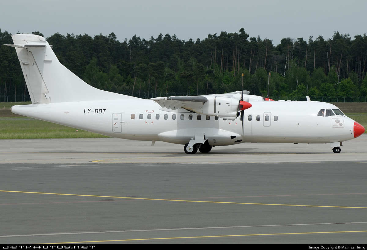 LY-DOT - ATR 42-300 - Vildanden (Danish Air Transport)