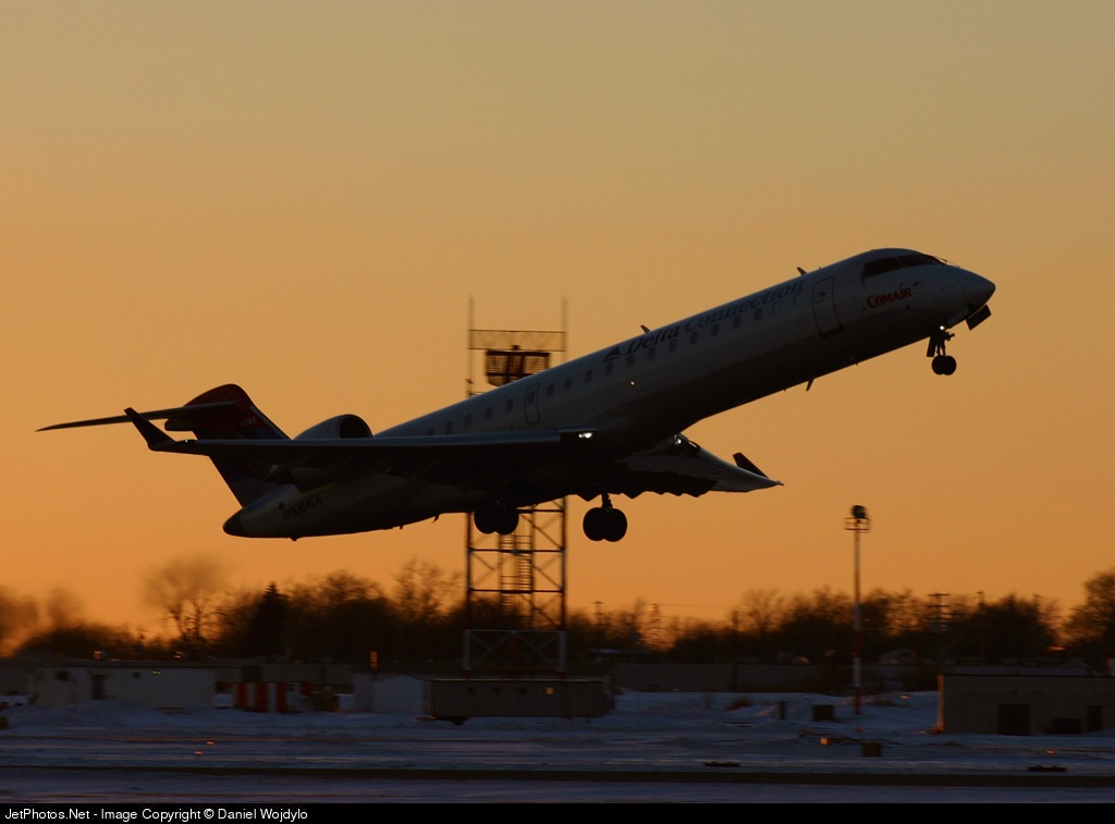 N354CA - Bombardier CRJ-701ER - Delta Connection (Comair)