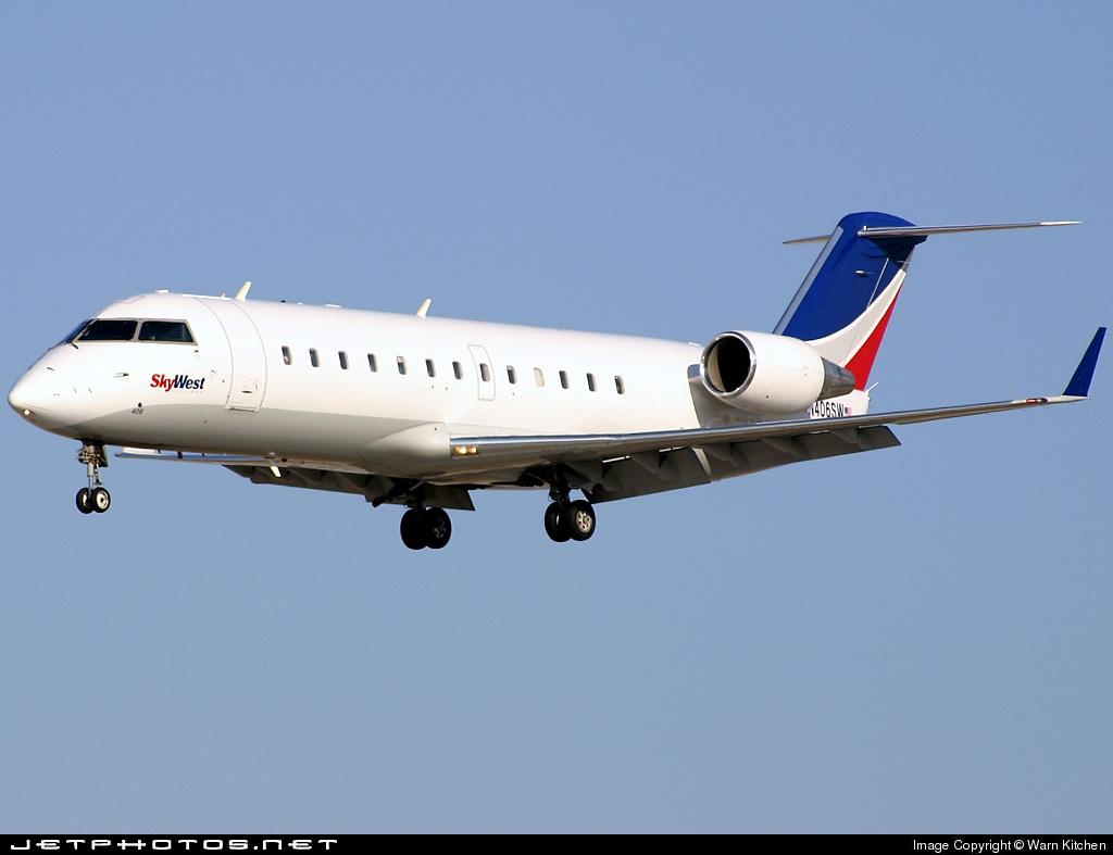 N406SW | Bombardier CRJ-100LR | SkyWest Airlines | Warn Kitchen ...