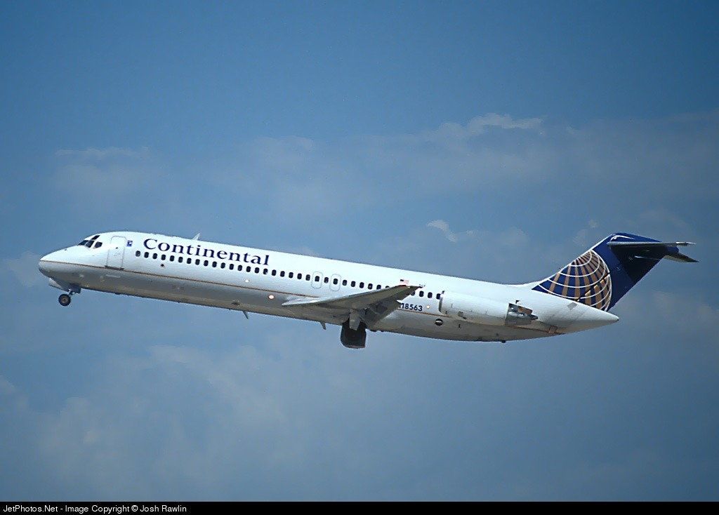 N18563 - McDonnell Douglas DC-9-31 - Continental Airlines