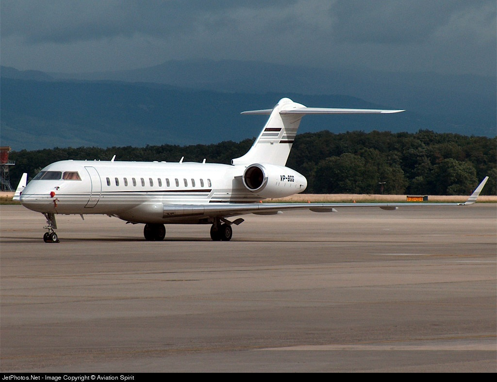 VP-BGG - Bombardier BD-700-1A10 Global Express - Mid East Jet