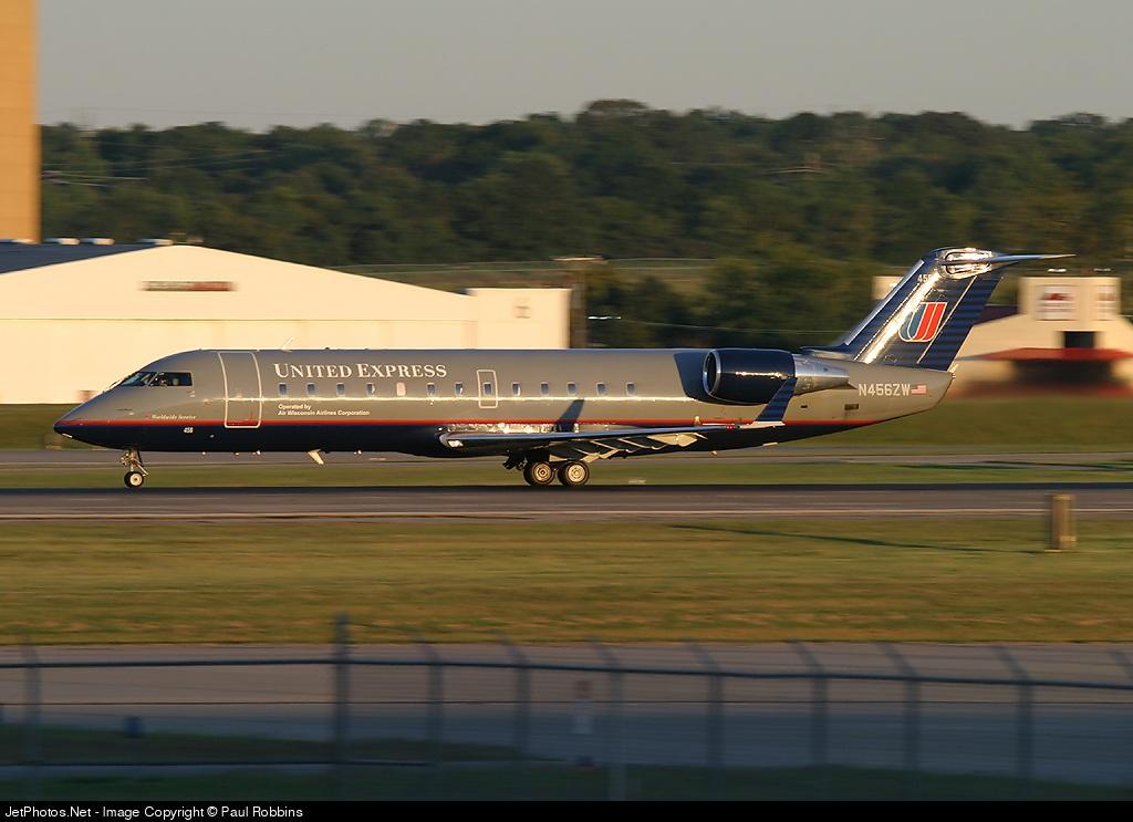 N456ZW - Bombardier CRJ-200LR - United Express (Air Wisconsin)