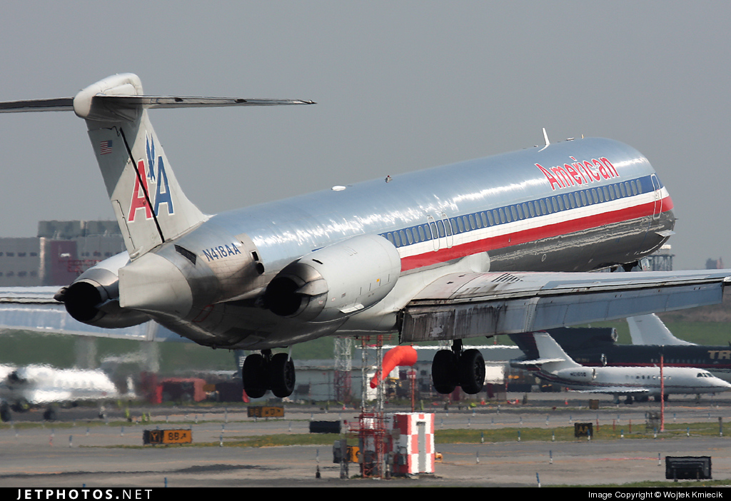 N418AA - McDonnell Douglas MD-82 - American Airlines