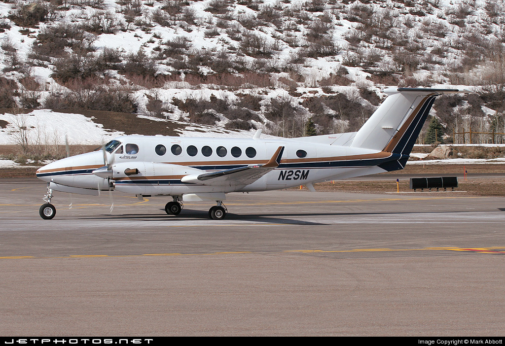 N2SM - Beechcraft B300 King Air 350 - Private