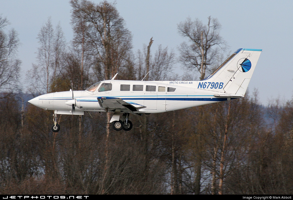 N6790B - Cessna 402C - Arctic Circle Air