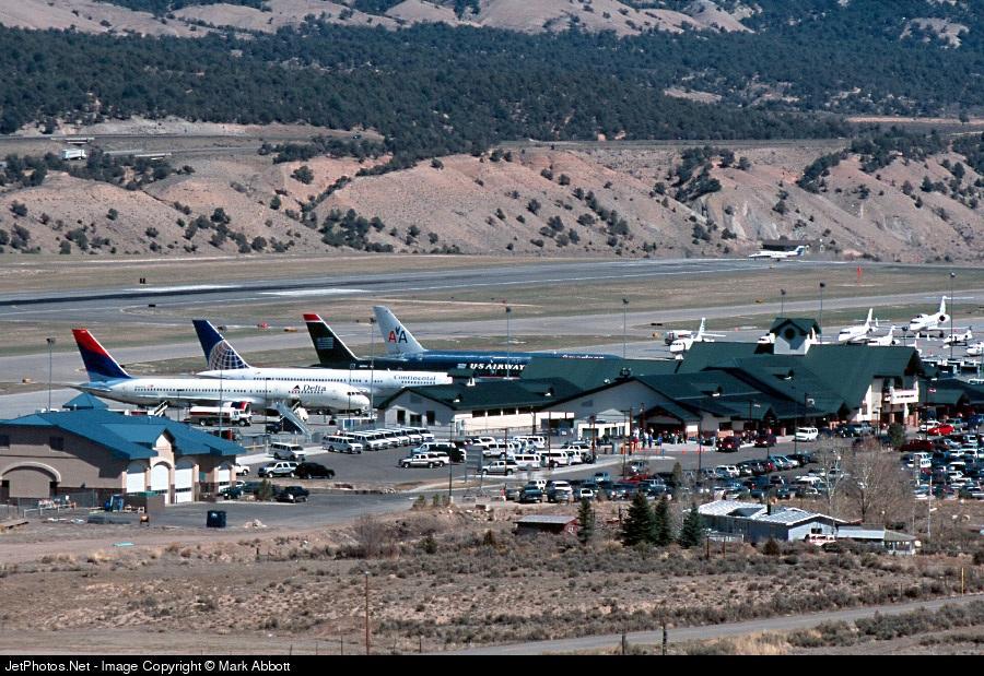 KEGE - Airport - Terminal