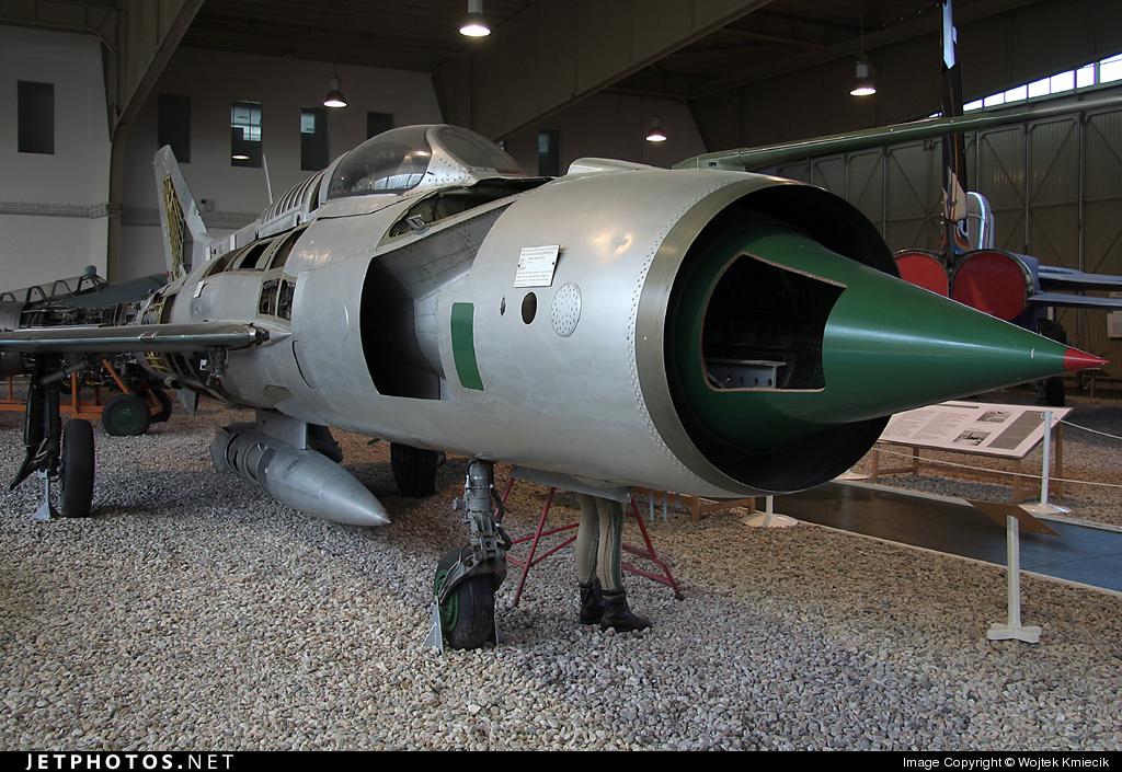 950 - Mikoyan-Gurevich MiG-21PF Fishbed - German Democratic Republic - Air Force