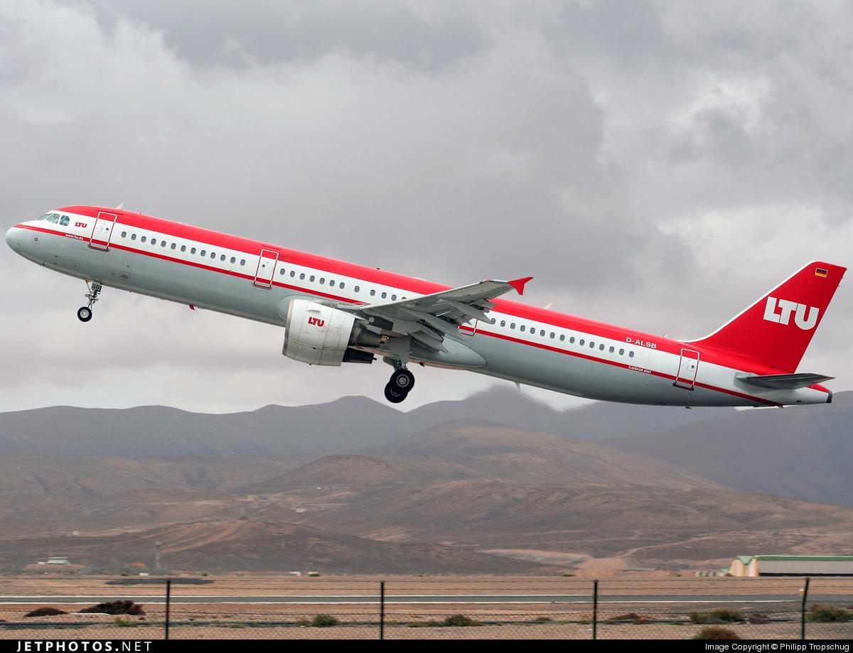 D-ALSB - Airbus A321-211 - Air Berlin (LTU)