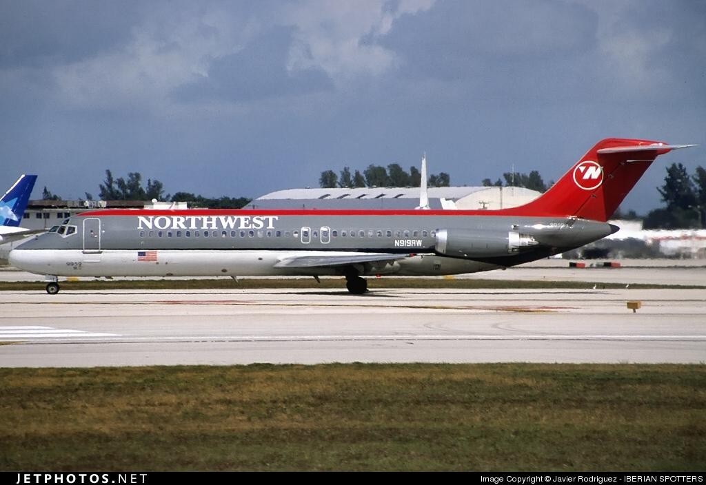 N919RW - McDonnell Douglas DC-9-31 - Northwest Airlines