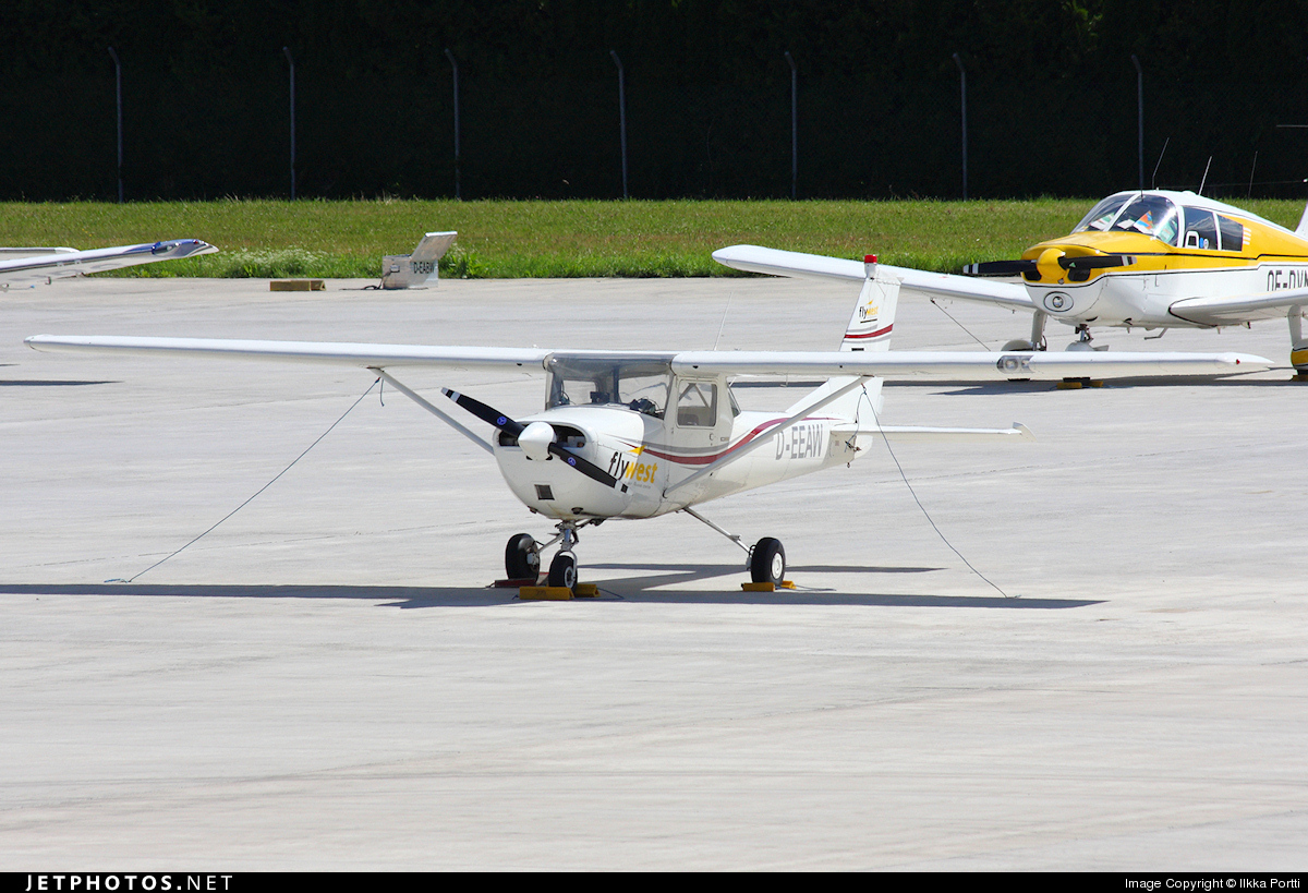 D-EEAW - Cessna 150 - Fly-West